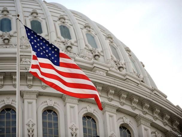 طرح گروهی از نمایندگان کنگره آمریکا برای تشدید تحریمها علیه نظام بانکی ایران