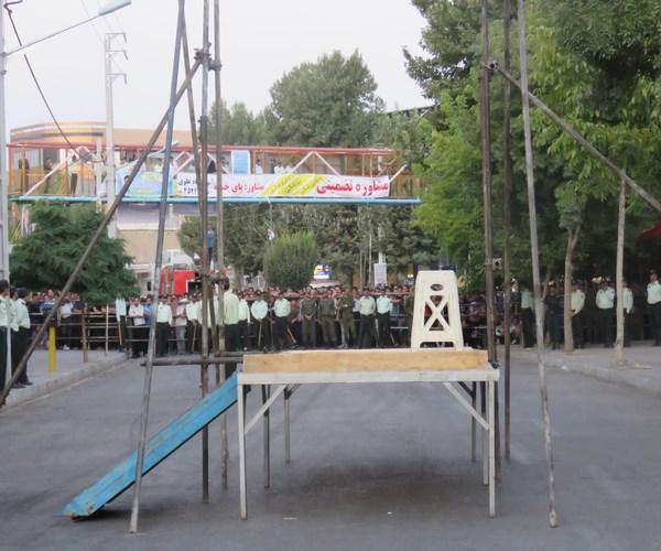 قاتل دختر جوان در اسلام آبادغرب به دار مجازات آویخته شد/ تشکر مردم از دستگاه قضایی + تصاویر