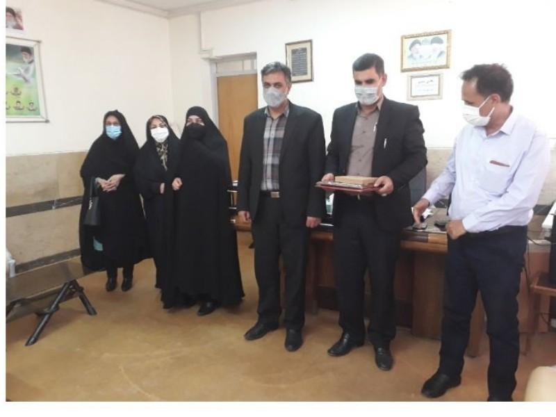 """تجلیل از مدیران نیکوکار طرح """"مدارس همدل """"شهرستان اسلام آبادغرب"""